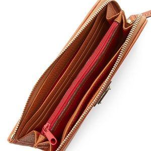 Dooney & Bourke Accessories - Dooney and Bourke  wallet